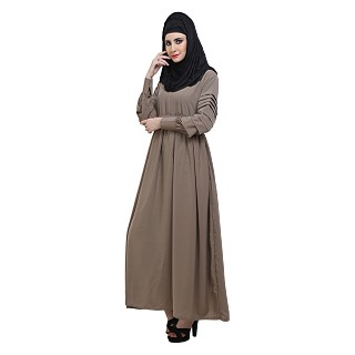 Abaya with pleated designer sleeves