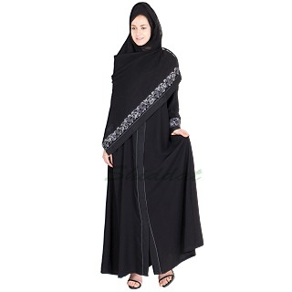 Nidha abaya with embroidery work black