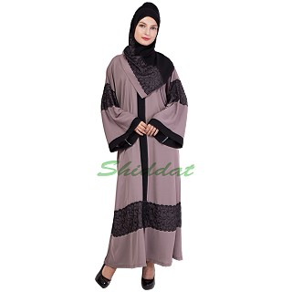 Dual colored burka with lace overlay
