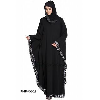Kaftan abaya with striped crape printed border on sleeves- Black