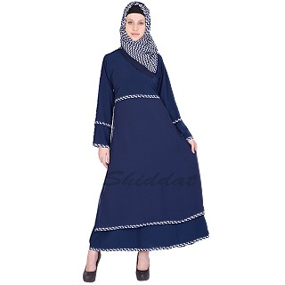 Abaya with multiple strips
