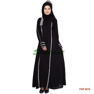 Black flared abaya - Stripe design