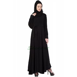 Classic Black full flare Abaya with belt