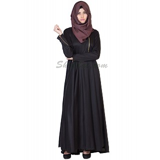 Elegant Black colored abaya