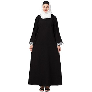 Casual A-line abaya with piping work- Black