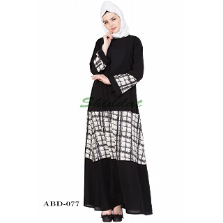 Designer Abaya with striped print - Black-White