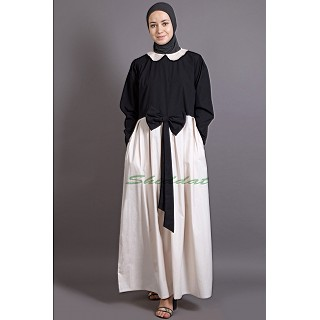 Dual colored abaya with Peter Pan Collar
