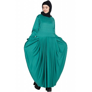 Pleated travel maxi dress -Green color