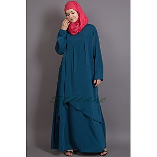Asymetrical abaya with Yoke design and panels