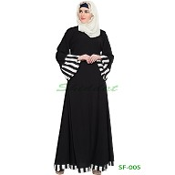 Simple bell sleeves black abaya