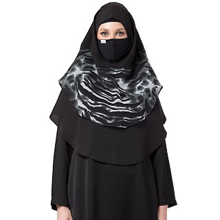 Instant Ready-to-wear Hijab - Black and White Print