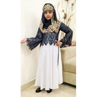 Girls Abaya- Lacy abaya in Black and White
