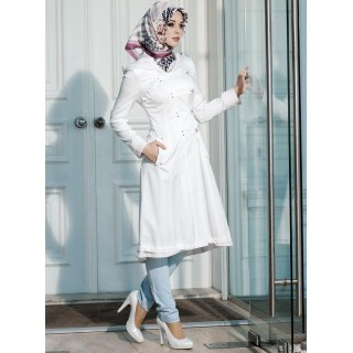 Irani Manto/Coat in White color